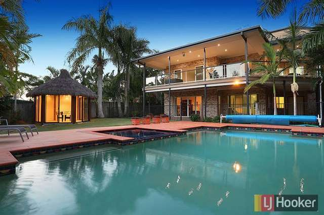 15 Merion Place, Carindale QLD 4152