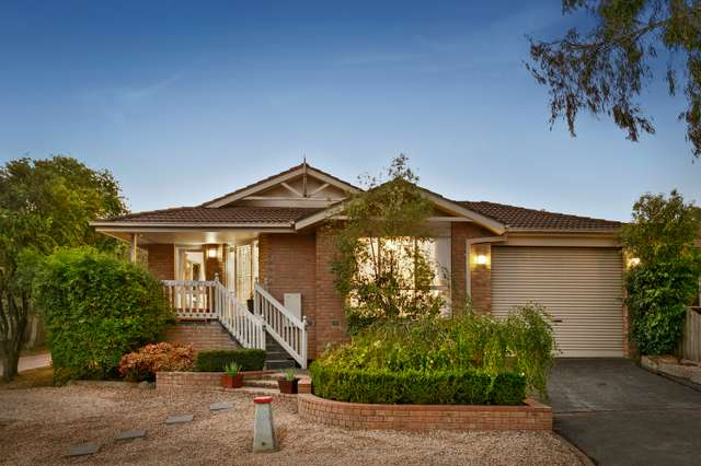 4 Greenridge Lane, Croydon South VIC 3136