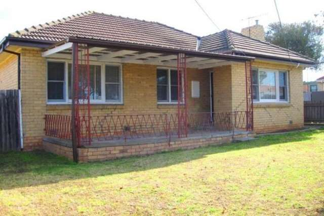 9 Thomas Street, Airport West VIC 3042