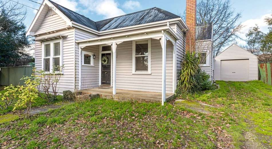 210 Clyde Street, Soldiers Hill VIC 3350