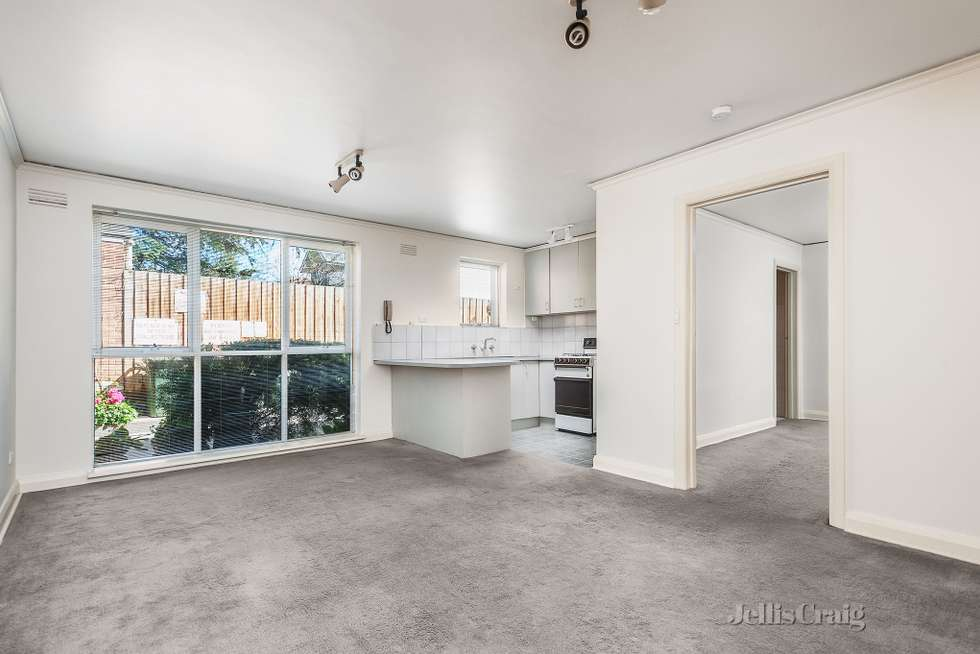15/8 Wahroongaa  Crescent