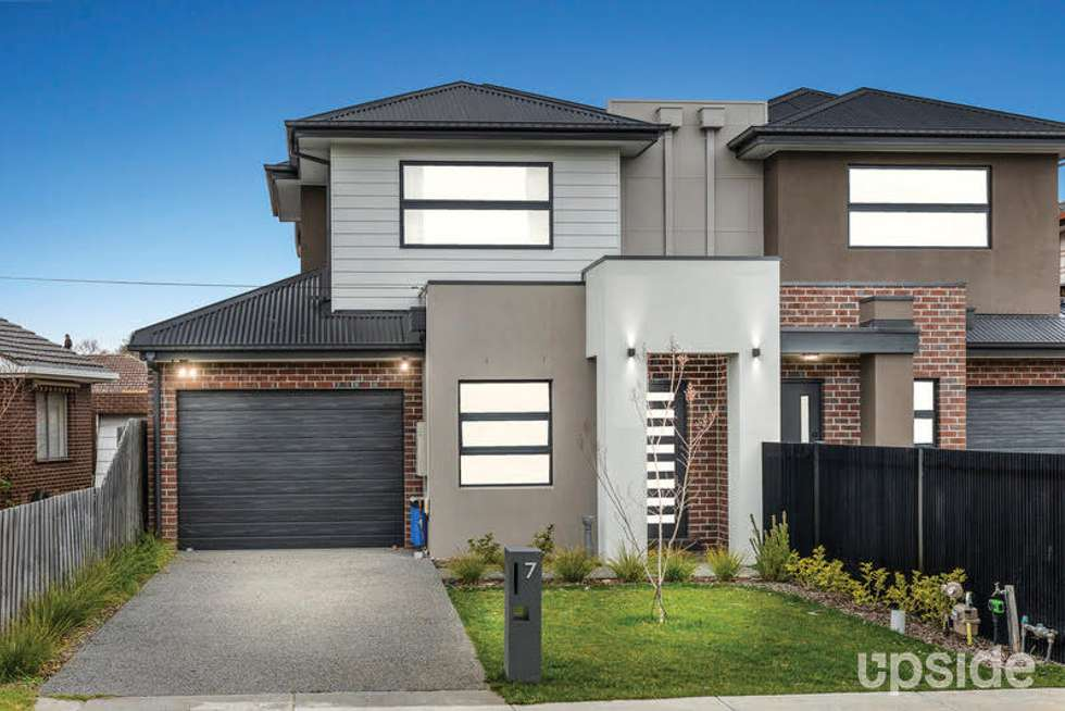 Third view of Homely townhouse listing, 7 Chantilly Avenue, Avondale Heights VIC 3034