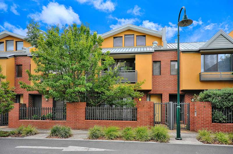 Main view of Homely townhouse listing, 7 Heath Drive, Glen Huntly, VIC 3163