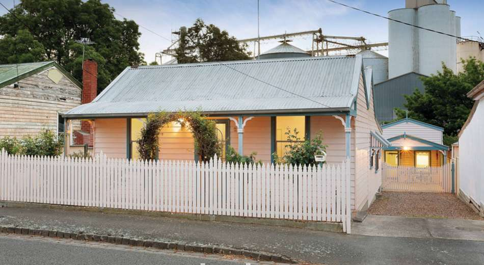25 Little Clyde Street, Soldiers Hill VIC 3350