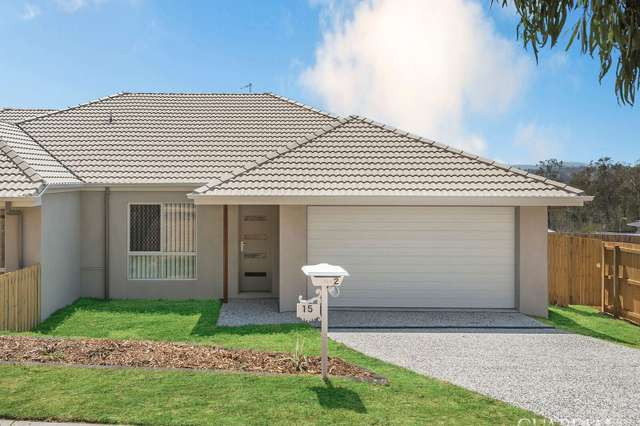 2/15 Pemswood  Court, Deebing Heights QLD 4306
