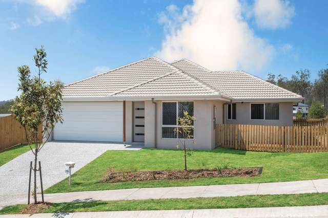 1/15 Pemswood  Close, Deebing Heights QLD 4306