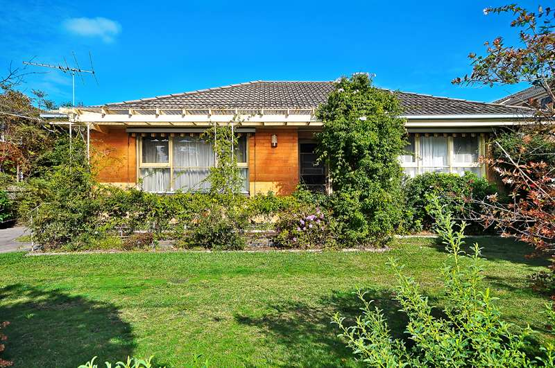 Main view of Homely unit listing, 1/10 Rosedale Avenue, Glen Huntly, VIC 3163