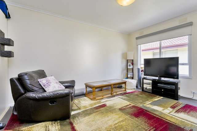 13/42 Middle  Road