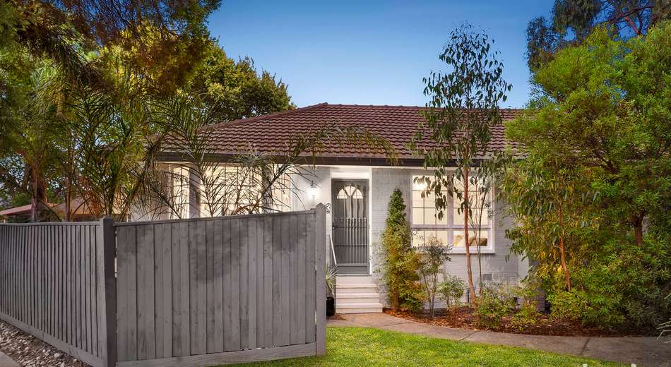 2/27 Hedge End Road, Mitcham VIC 3132