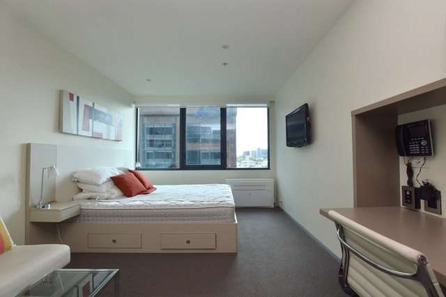 1006/181 ABeckett Street, Melbourne VIC 3000