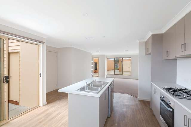 2/1015a Gregory Street