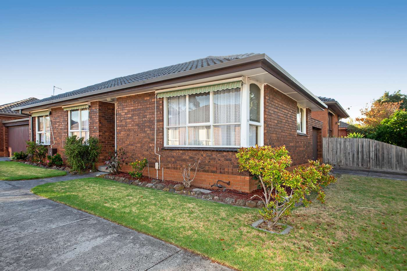 Main view of Homely unit listing, 10/15-17 Kangaroo Road, Murrumbeena VIC 3163