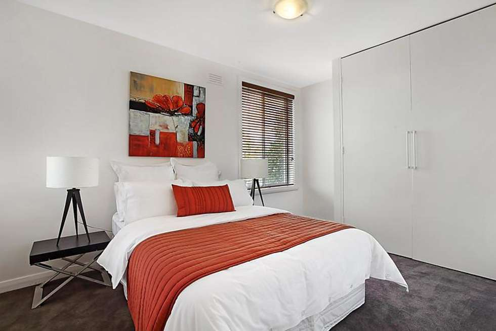 Fifth view of Homely apartment listing, 2/86 Collins Street, Thornbury VIC 3071