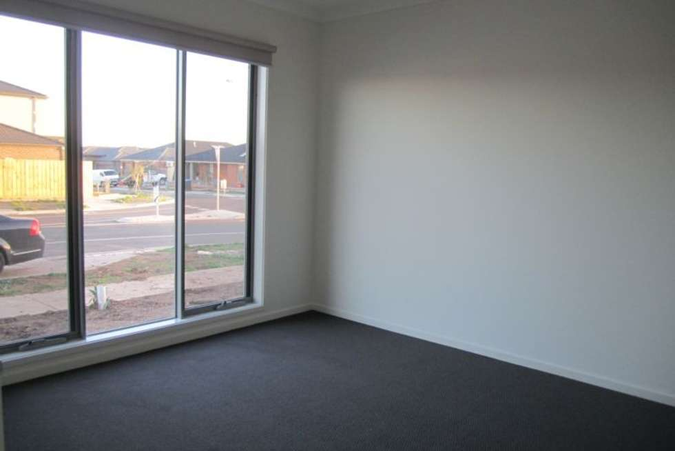 Second view of Homely house listing, 34 Obsidian Avenue, Tarneit VIC 3029