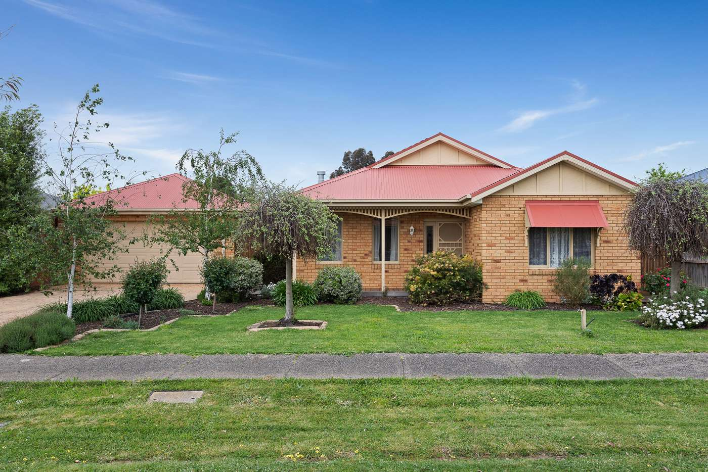 Main view of Homely house listing, 10 Oakridge Street, Doreen VIC 3754