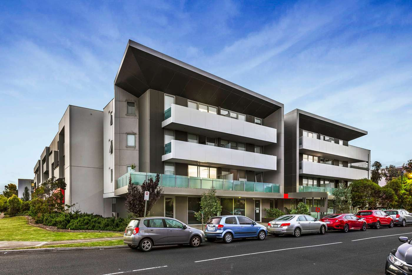 Main view of Homely unit listing, 2/12 Crefden Street, Maidstone VIC 3012