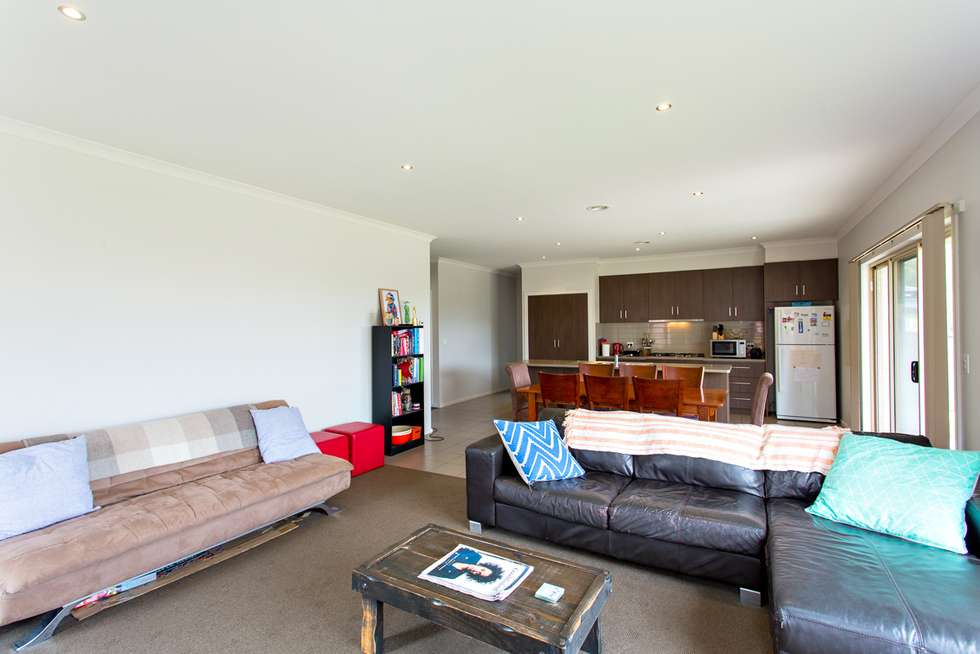 Fifth view of Homely house listing, 2 Viola Court, Mount Helen VIC 3350