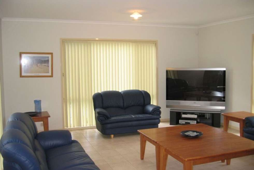 Fifth view of Homely house listing, 8 Kathleen Court, Montmorency VIC 3094