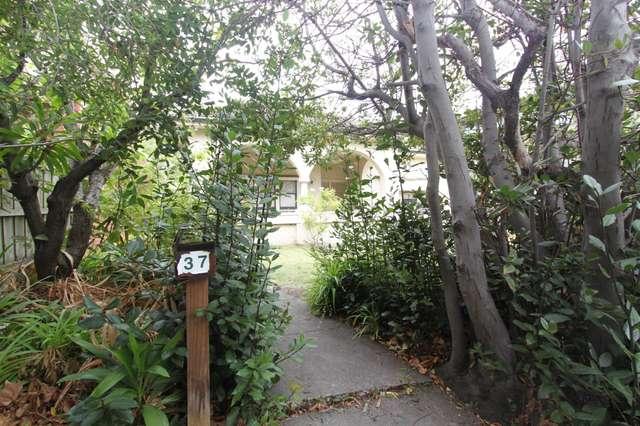 37 Beach Avenue, Elwood VIC 3184