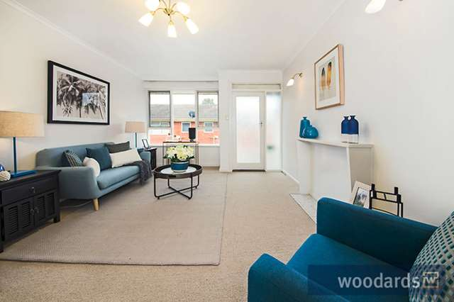 8/15 Royal Avenue, Glen Huntly VIC 3163
