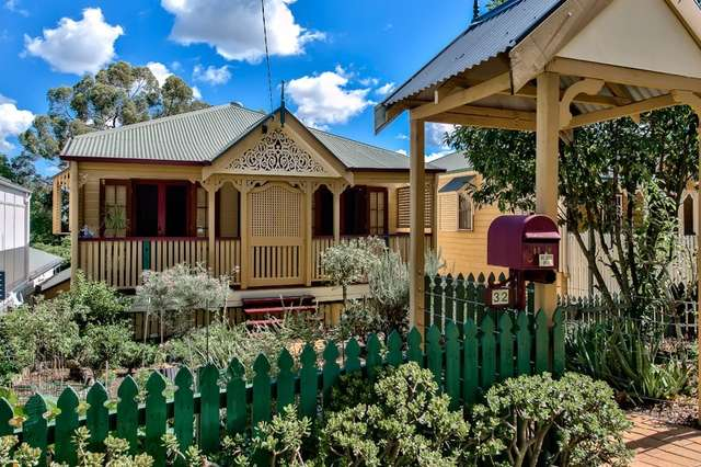 32 Lansdowne Street, Newmarket QLD 4051