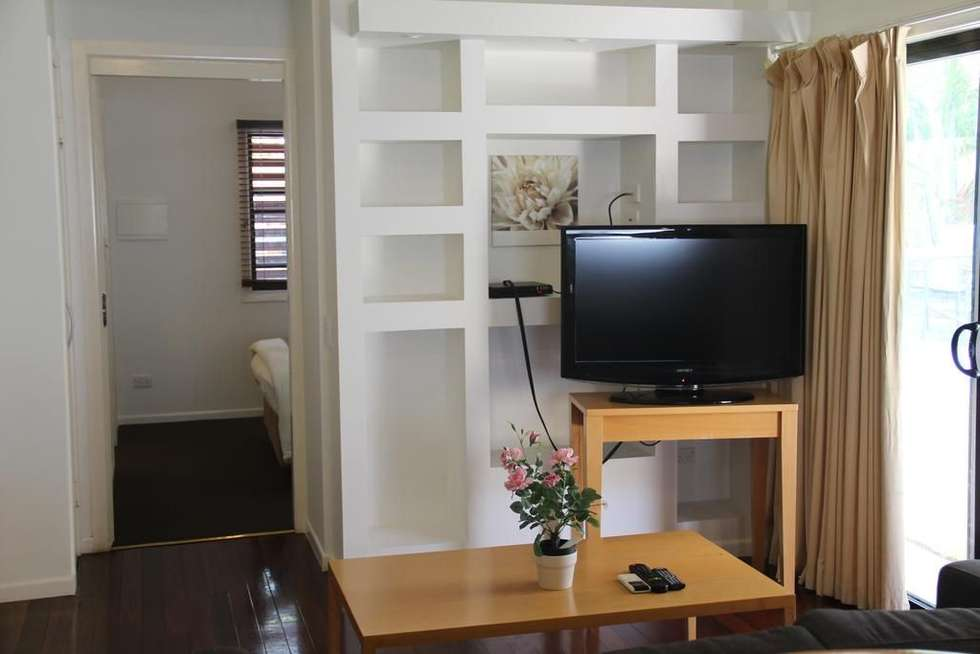 Third view of Homely unit listing, 2/80 Racecourse Road, Hamilton QLD 4007