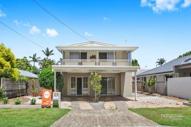 24 Donald Avenue, Paradise Point QLD 4216