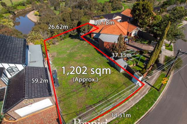 19 Laura Grove, Avondale Heights VIC 3034