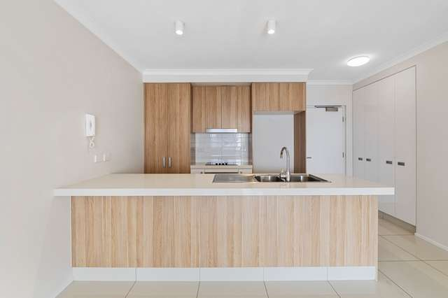202/8 Norman Street, Southport QLD 4215