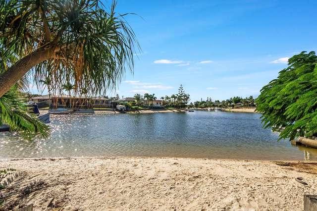 170 Sunshine Boulevard, Mermaid Waters QLD 4218