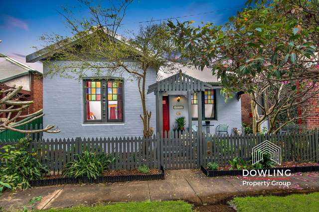 8 Greaves Street, Mayfield East NSW 2304