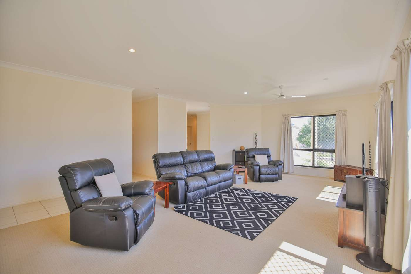 Sixth view of Homely house listing, 18 McCallum Close, Coral Cove QLD 4670
