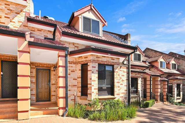 4/114 Rawson Rd, Greenacre NSW 2190
