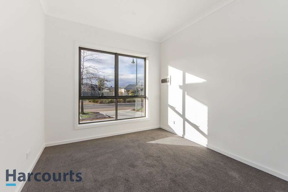 Fifth view of Homely unit listing, 2/2 Border Boulevard, Sunbury VIC 3429