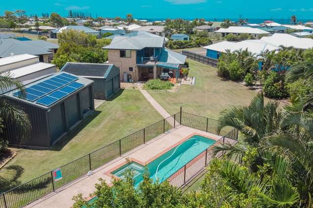 22 Neptune Street, Burnett Heads QLD 4670