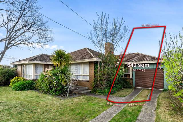 21 Hilbert Road, Airport West VIC 3042