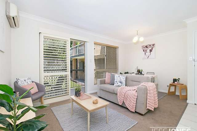 1/56 Knowsley Street, Greenslopes QLD 4120