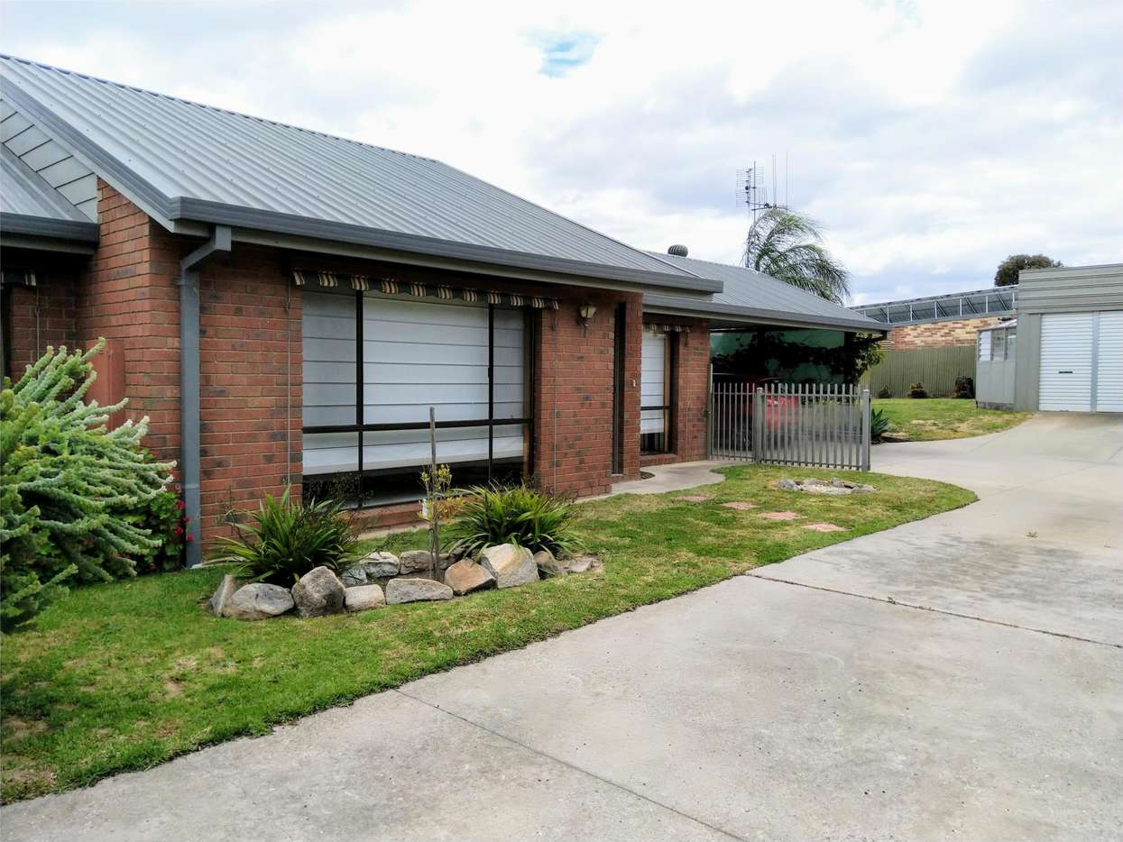 Main view of Homely house listing, 2/19 Patrick Street, East Bendigo, VIC 3550