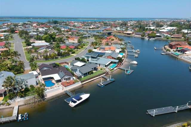 17 Kikori Crescent, Runaway Bay QLD 4216