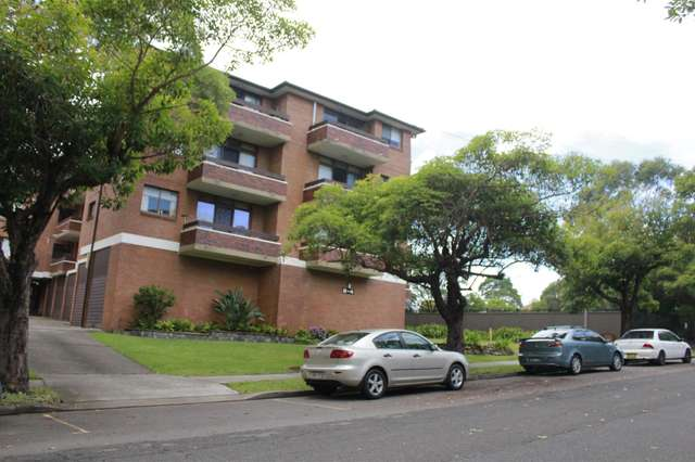 13/2 St Georges Road, Penshurst NSW 2222