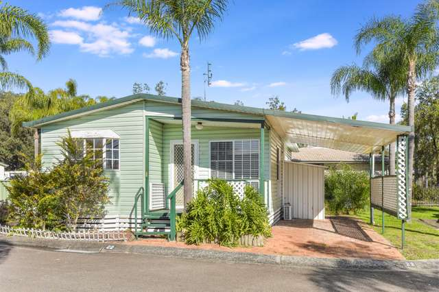 22 First Avenue, Green Point NSW 2251