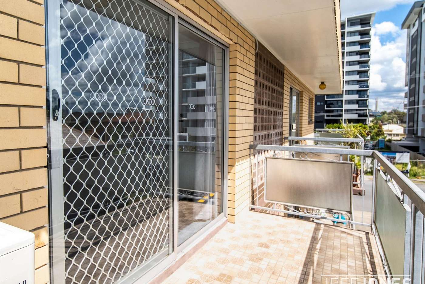 Main view of Homely unit listing, 6/24 Carl Street, Woolloongabba QLD 4102