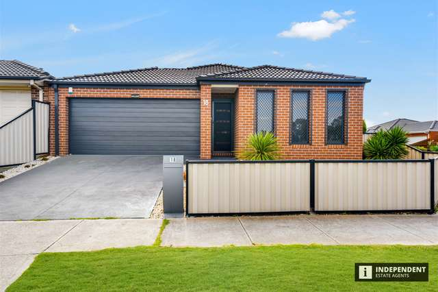 18 Serpells Way, Cranbourne East VIC 3977