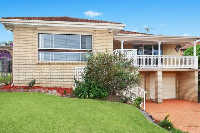 6 Walmsley Close, Prairiewood NSW 2176