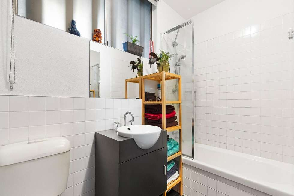 Fifth view of Homely apartment listing, 2/62 Cunningham Street, Northcote VIC 3070