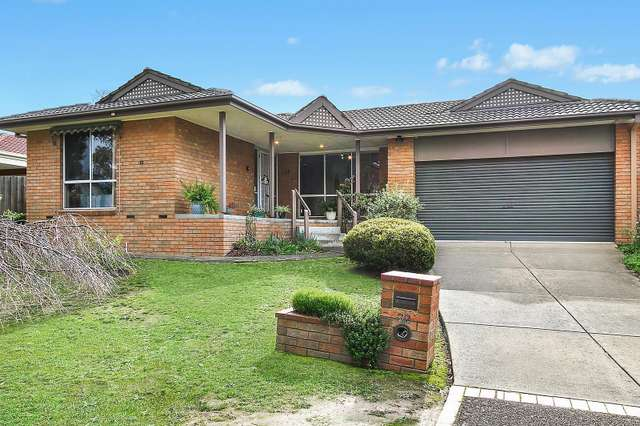 22 Azarow Circuit, Croydon South VIC 3136
