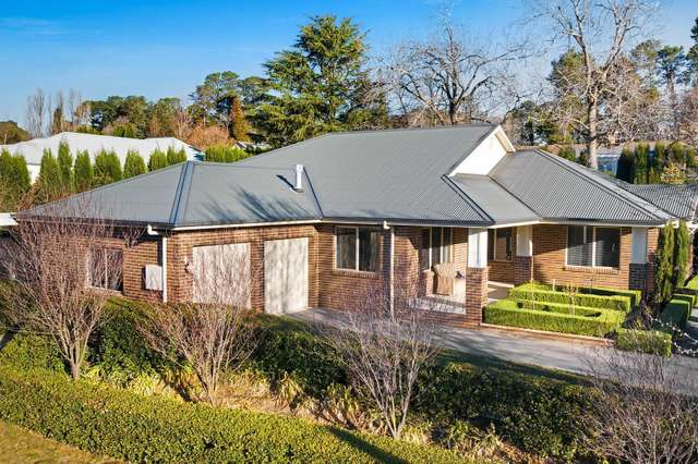 3 Romney Place, Burradoo NSW 2576