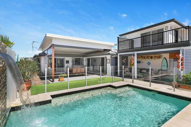 7 Enfield Crescent, Battery Hill QLD 4551