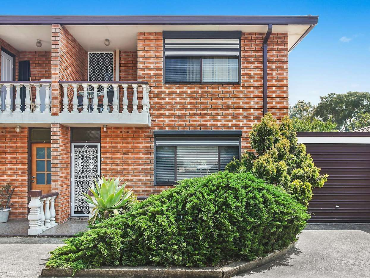 Main view of Homely townhouse listing, 2/118 Rookwood Road, Yagoona, NSW 2199
