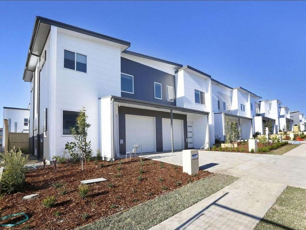 Main view of Homely townhouse listing, 10/73 Sovereign Circuit, Glenfield, NSW 2167